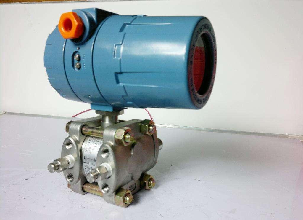 选择厂家购买压力变送器有什么好处?